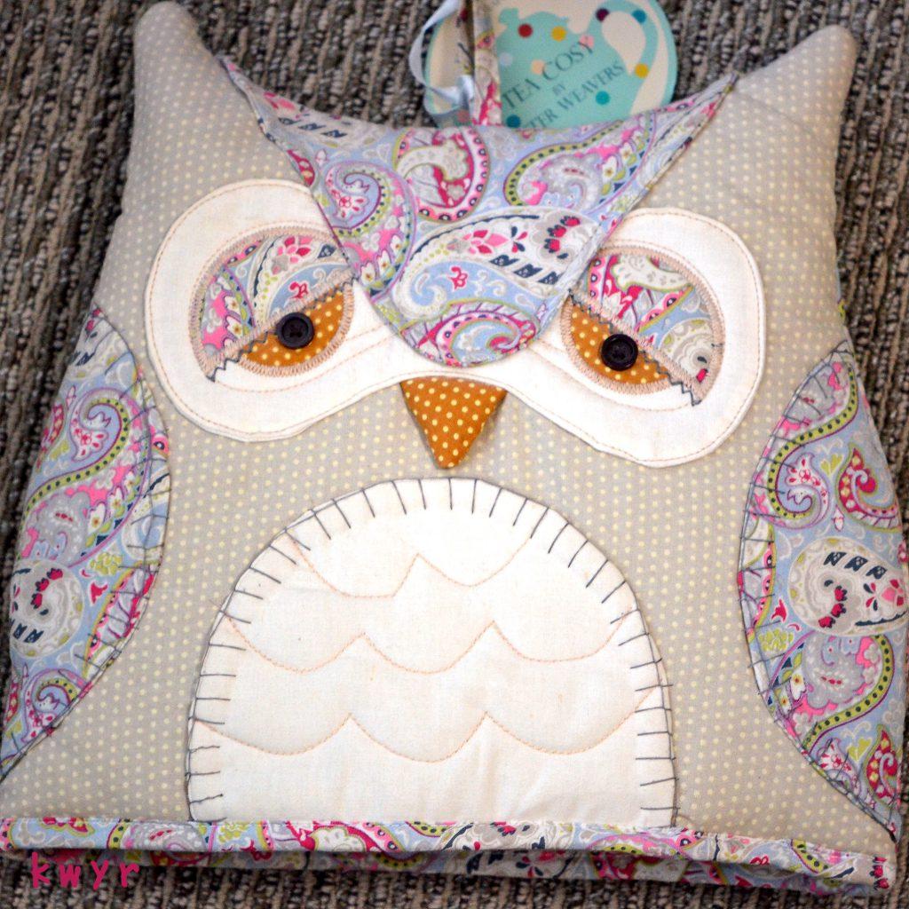 ULSTER WEAVERS Tea cosy OWL