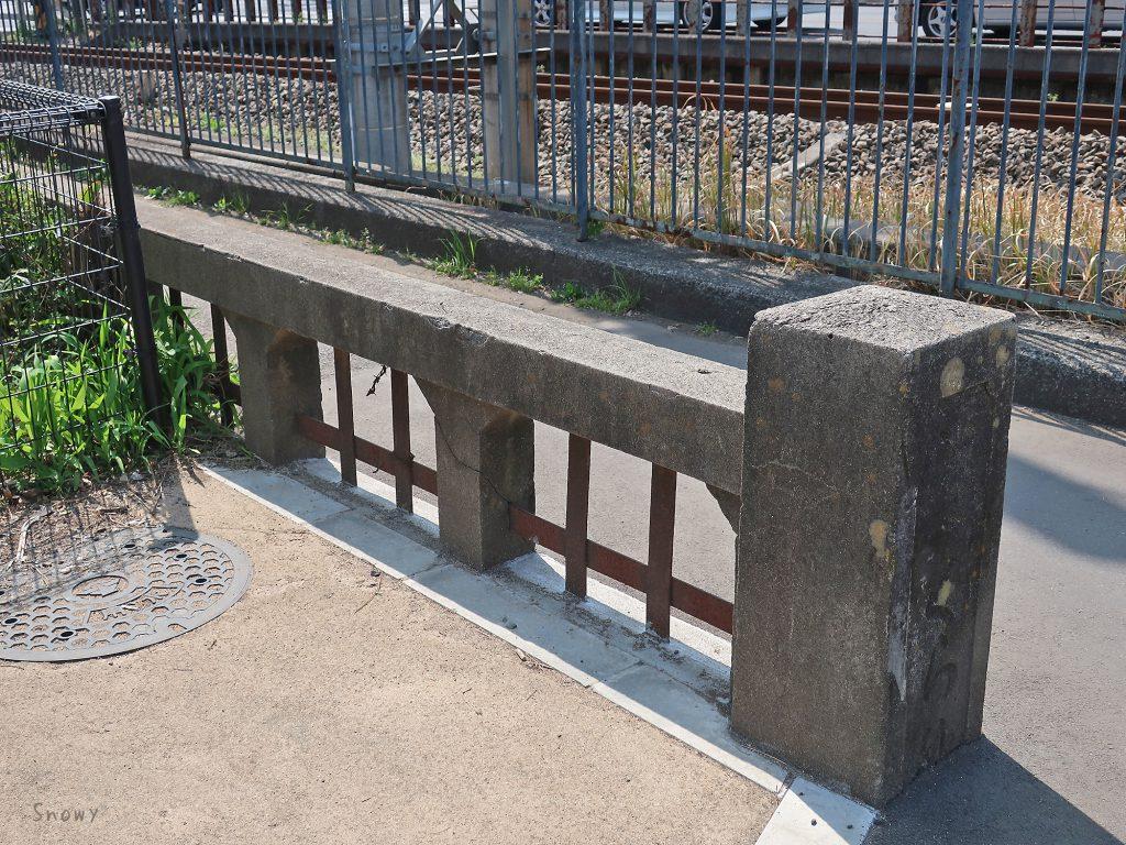 小平桜橋の古い欄干と親柱